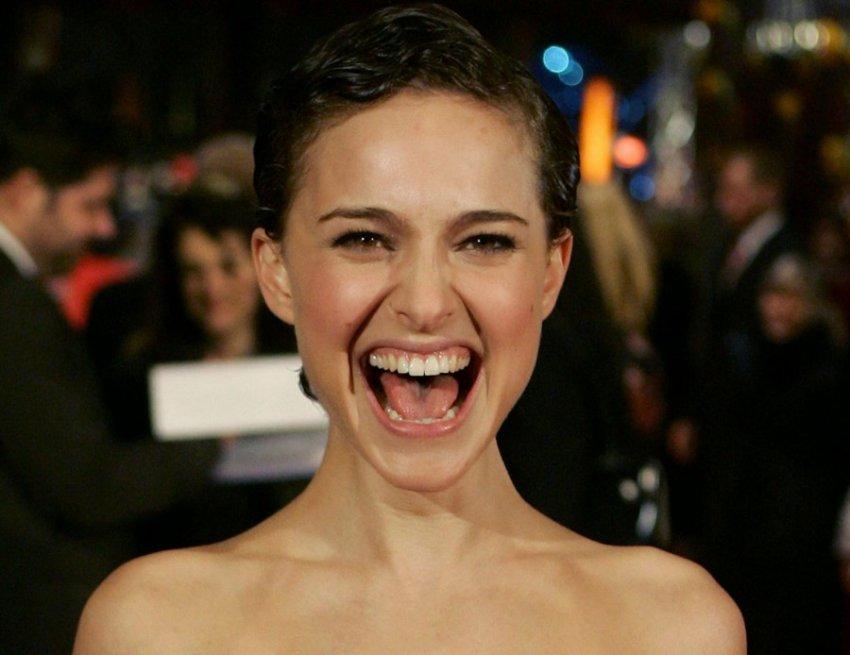 Подборка фотографий, на которых знаменитости выглядят чересчур эмоциональными