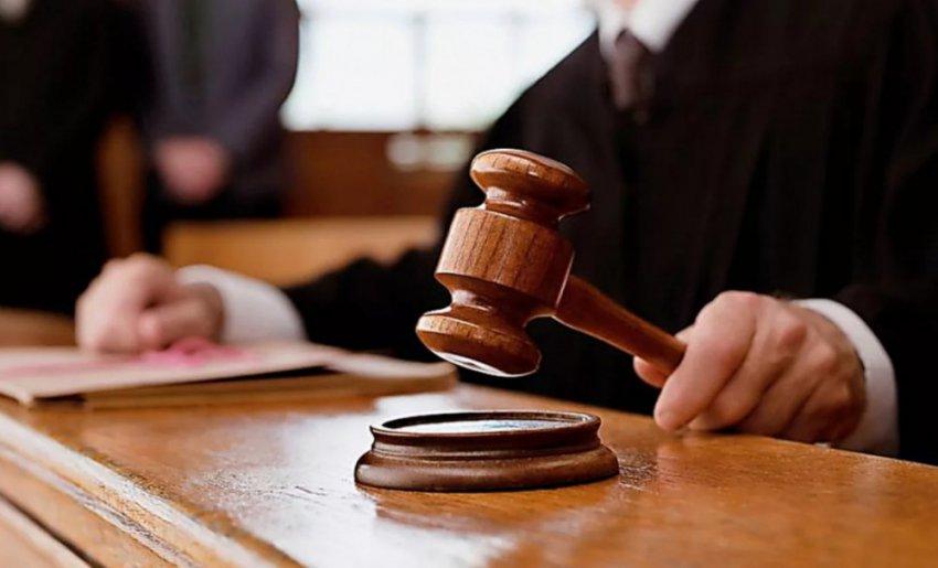 Неправедный Суд вершился, а за окном в июне шёл снег...