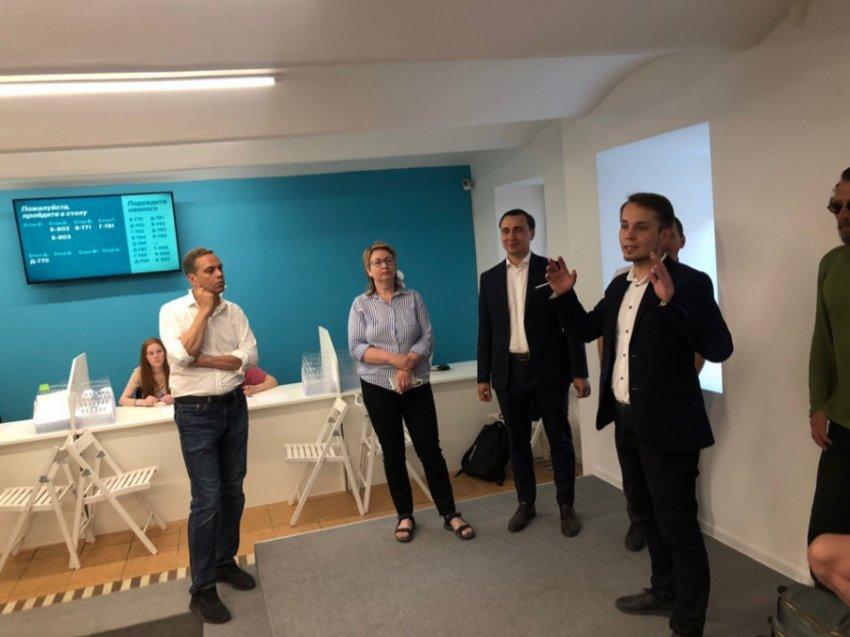 Встреча независимых кандидатов в Мосгордуму прошла в Центре сбора подписей