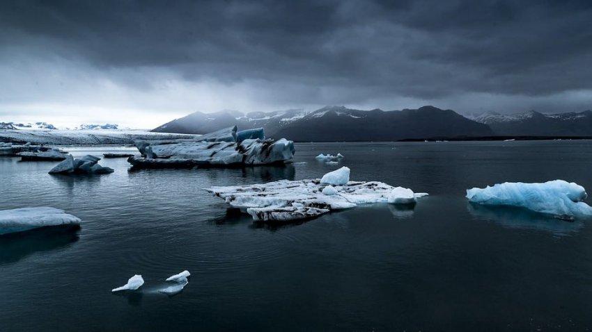 Ледники продолжают таять: стало известно, когда в Гренландии не останется льда