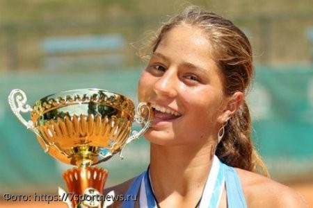 17-летний теннисист умер от алкоголя на вечеринке у известной российской спортсменки