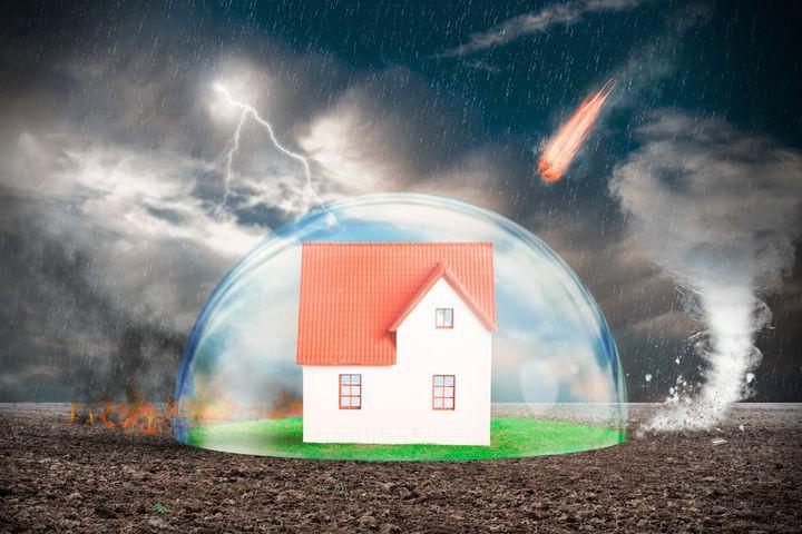 В 2019 году в квитанциях за ЖКХ появится еще одна строчка за страхование жилья