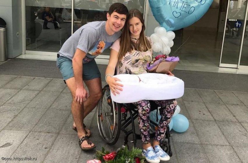 Парализованная звезда фристайла Мария Комиссарова станет мамой во второй раз