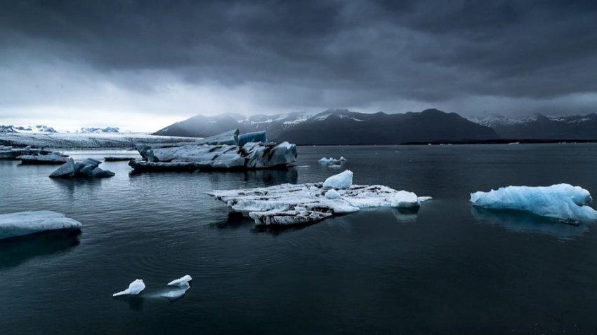 «Черная смерть» в вечных льдах: ученые нашли в Арктике следы страшного вируса
