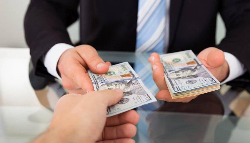 Как правильно брать и одалживать деньги: названы дни, когда не стоит этого делать