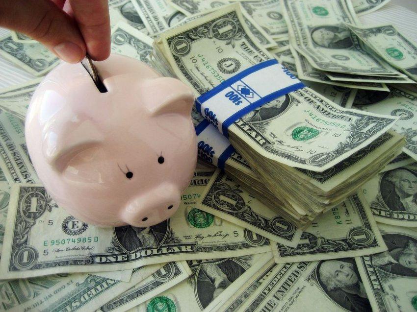 Как можно притянуть в свою жизнь деньги: эзотерические и психологические методы вам в помощь