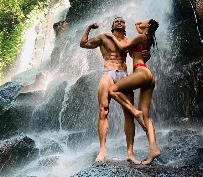 Антон Гусев и Виктория Романец ошеломили поклонников страстным видео в соцсети