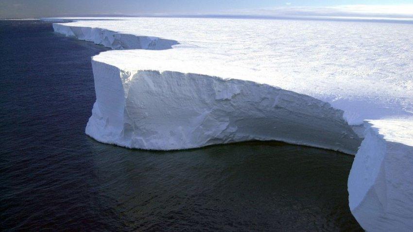 В Антарктиде ускорил таяние самый опасный ледник в мире