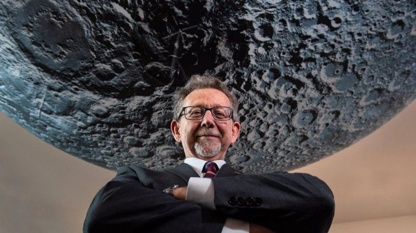 Ученый НАСА заявил, что скоро может быть обнаружена жизнь на Марсе