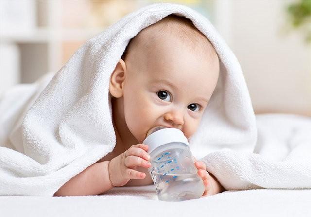 Можно ли новорожденному давать воду: 4 причины отказа от воды, в каких количествах, советы врача