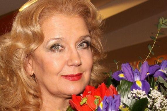 Ирина Алферова ради спектакля в Берлине породнилась с Татьяной Васильевой