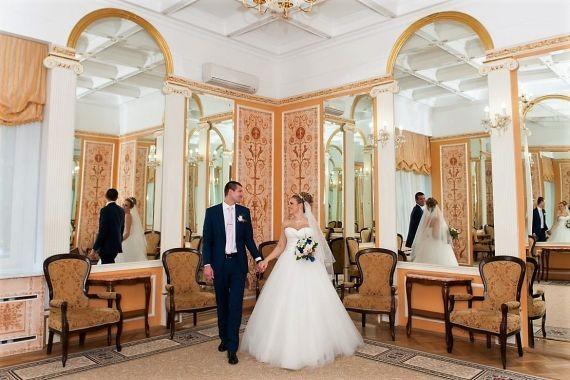 В Москве более 470 пар заключат браки в последний день уходящего года