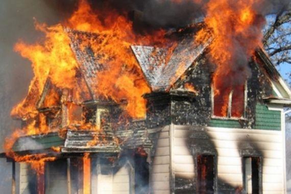 В США погиб годовалый ребенок, пытавшийся вынести из горящего дома щенка