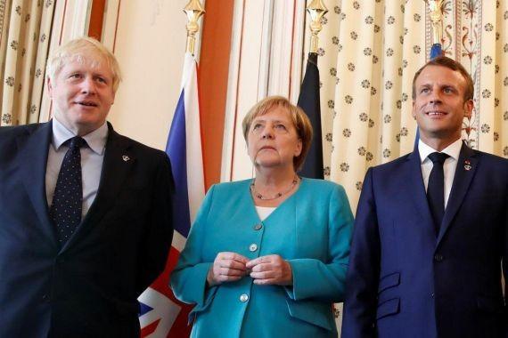 Меркель: готова обсудить вопрос высылки российских дипломатов с Путиным