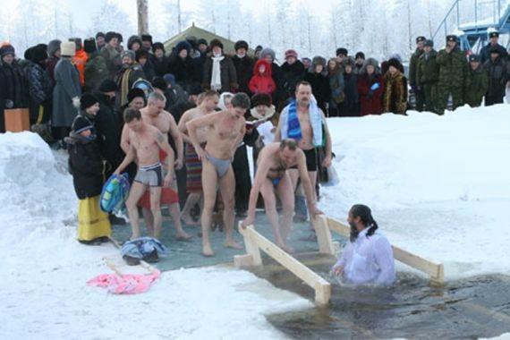 В Подмосковье у крещенских купелей будут дежурить бригады скорой помощи