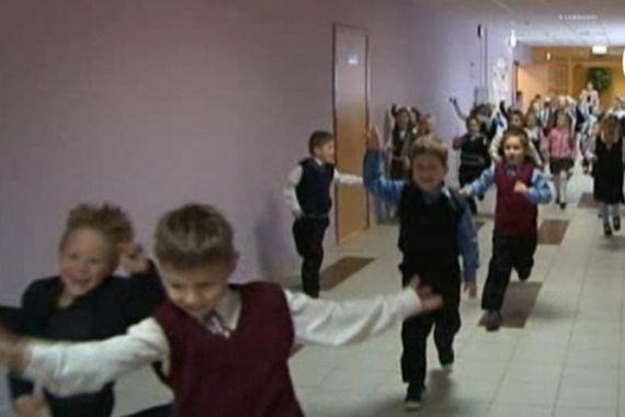 Душил и бил на перемене: суд оценил страдания школьницы в 40 тыс. рублей