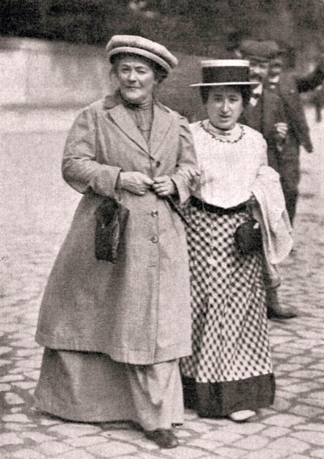 История борьбы женщин за равноправие или история 8 марта