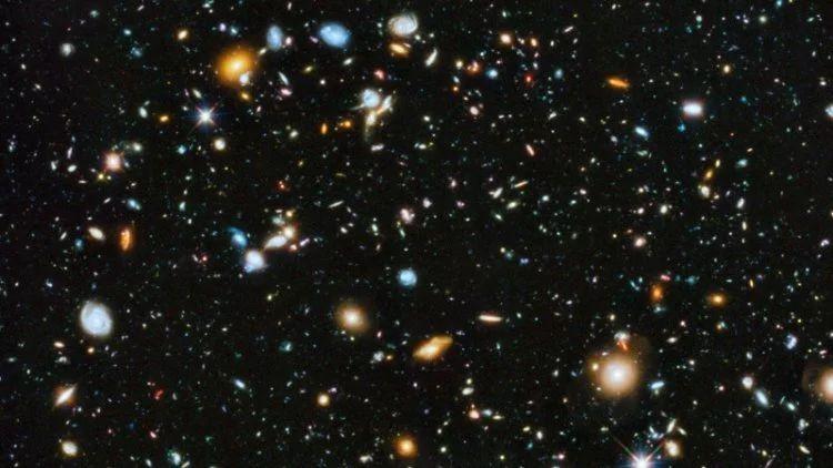 Наша галактика находится внутри огромного пузыря, где мало материи