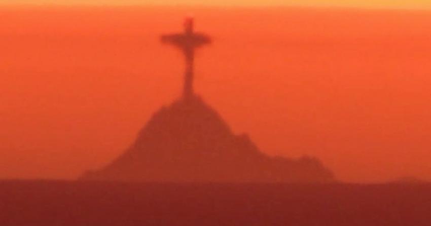 В небе над Сан-Франциско появилась «статуя Христа-Искупителя»