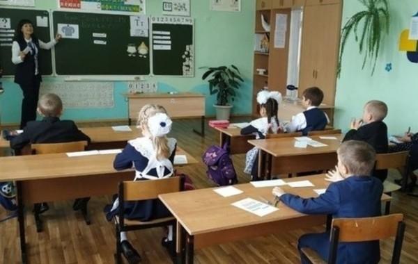 В России учебный год решили закончить досрочно
