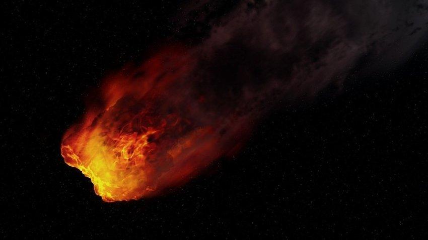 Необычный метеорит после долгого горения в атмосфере Земли, полетел назад в космос