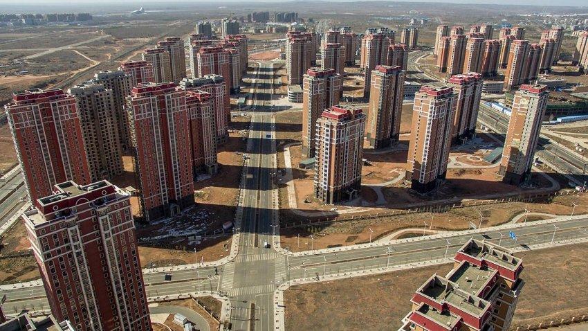Больше 60 млн квартир в нескольких городах Китая стоят пустыми: зачем стране нужны города-призраки?