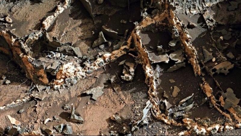 Уфолог утверждает, что нашел на Марсе руины древней постройки