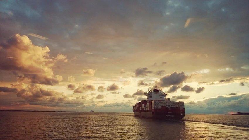 В Атлантическом океане несколько кораблей попали в «невидимую воронку»
