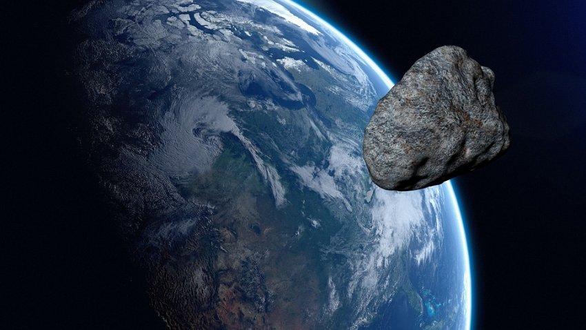 К Земле приближается астероид, который два раза пересечет орбиту
