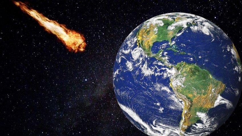 К Земле приближается огромная комета: увидеть её сможет каждый
