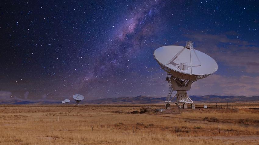 Астрономы зафиксировали сигнал, который шел до Земли около 10 миллиардов лет