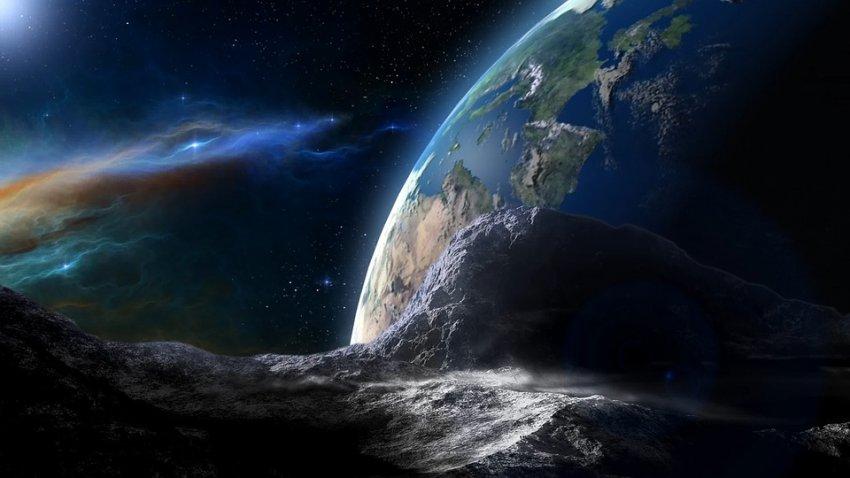 Специалисты NASA сообщили, что к Земле летят три астероида