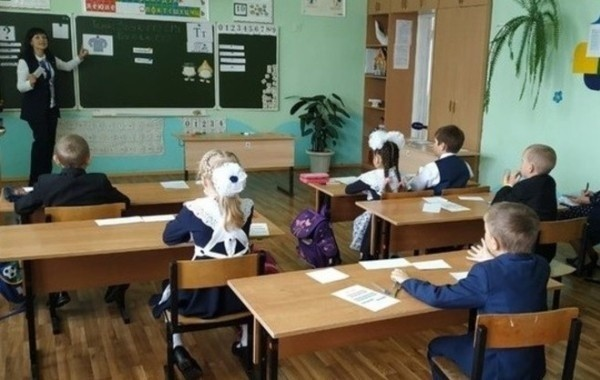 Учебный год в России решено не смещать