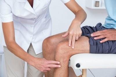 Врачи назвали ранние признаки заболеваний суставов