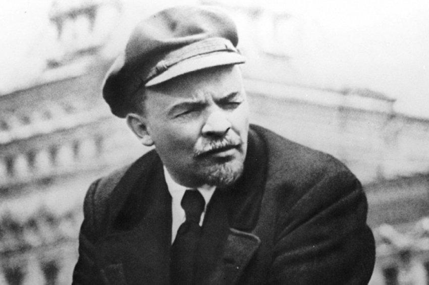 Почему Владимир Ульянов назвал себя Лениным