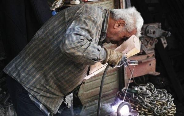 Миронов пообещал добиться возвращения индексации работающим пенсионерам