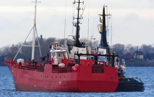 """В Баренцевом море затонуло судно """"Онега"""" с 19 российскими рыбаками"""