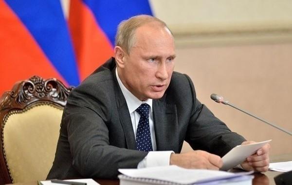 Путин пообещал рассмотреть вопрос о возвращении индексации работающим пенсионерам