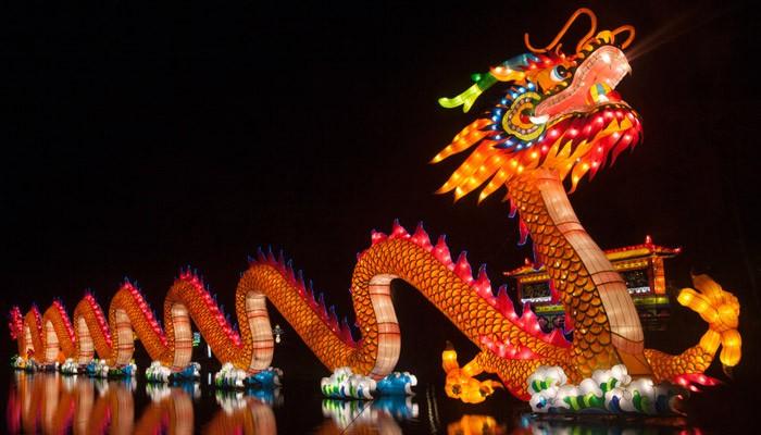Самый яркий праздник Новый год отмечают 1 января 2021 года