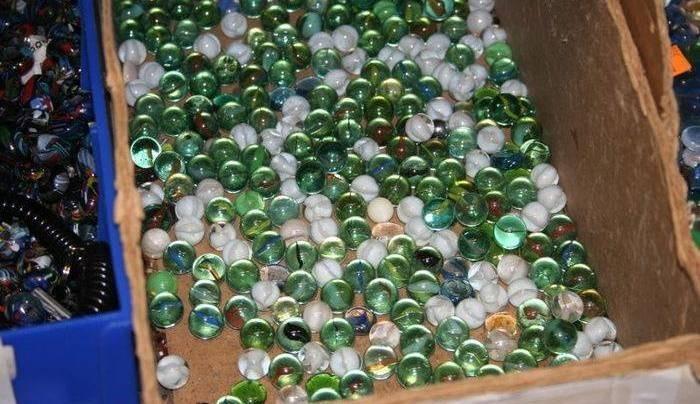 Для чего в СССР применялись небольшие разноцветные стеклянные шарики