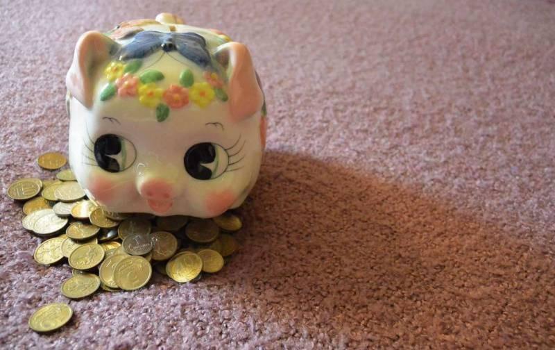 Эксперты определились с неблагоприятным периодом для рубля