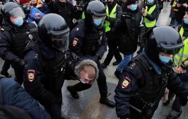 Глава СПЧ не нашел нарушений при задержаниях на незаконных акциях