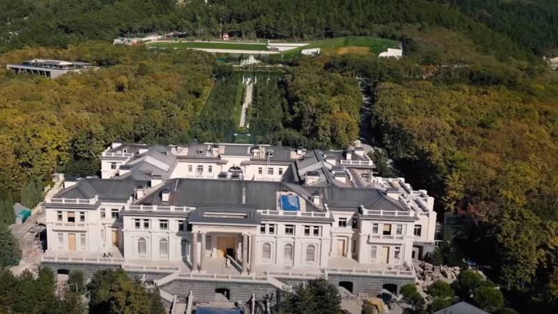 Кто настоящий владелец Дворца Путина в Геленджике