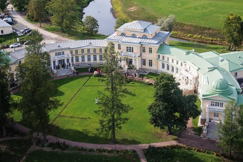 В России становится популярным восстановление старинных имений