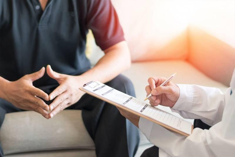 Когда необходимо обратиться к врачу-урологу?