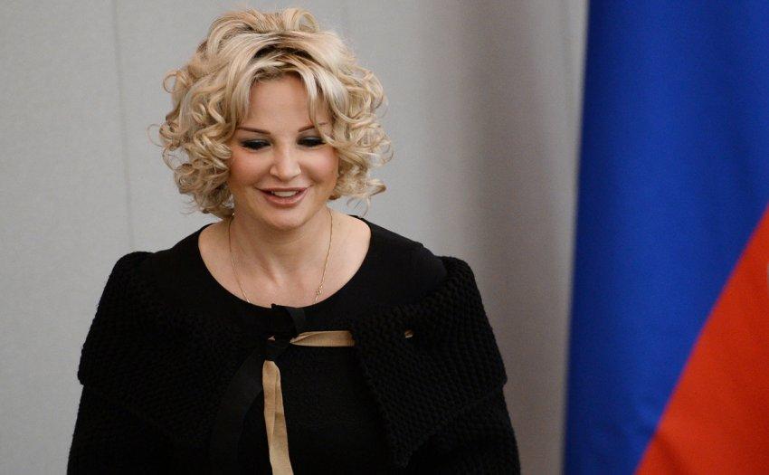 Людмила Максакова отказалась встречаться со своей дочерью