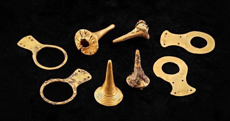 В Китае были обнаружены ценные артефакты, а также золотая маска возрастом более 3 000 лет