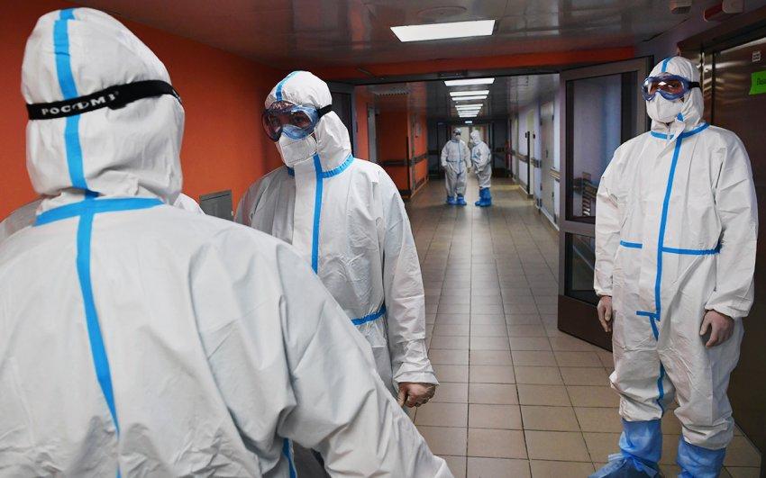 Скворцова рассказала, когда будет третья волна коронавируса в России