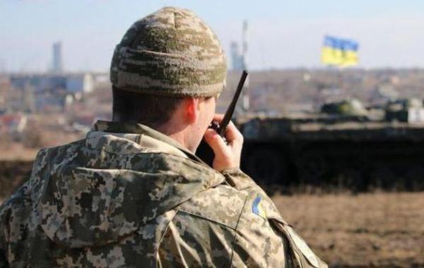 ВСУ разместили военную технику возле жилых домов в Донбассе