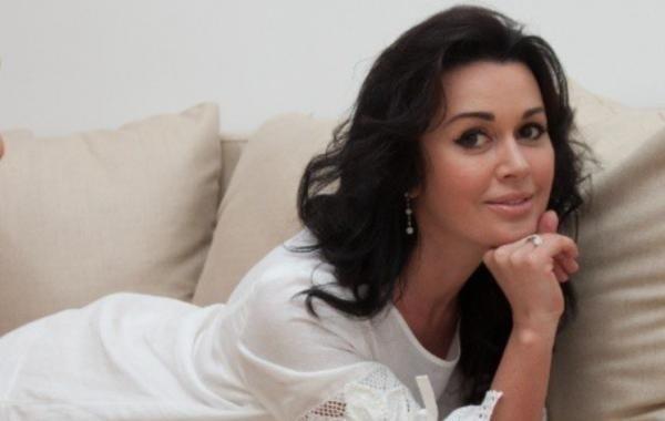 Дочь Анастасии Заворотнюк ответила обидчикам актрисы
